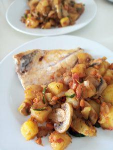 patates al microones amb verdures saltejades